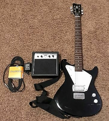 First Act Model 222 Electric Guitar Bundle With Amp/Cable/Neck Strap VG+