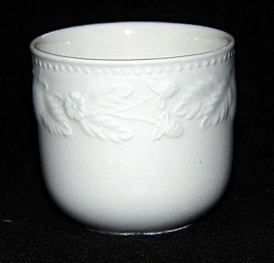 Egg Cup -  White Bucket with embossed design - 0609