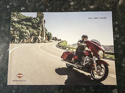Harley Davidson Range Motorcycle Sales Brochure Catalogue 2017