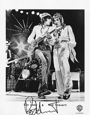 ROD STEWART - Autographed Signed 10x8 Promotional Photograph