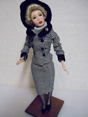 """VINTAGE KITTY COLLIER MODEL DOLL no markings 14"""""""