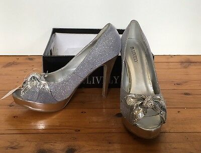 Quality Designer High Heels By B. Lively silver ladies shoes, women's 10 NEW