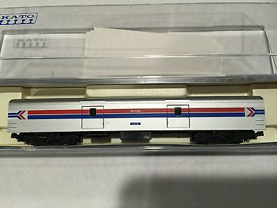 "kato 106-35121  (1) car ""AMTRAK"" smoothside  PH-1 , BAGGAGE  ( 1 car only )"