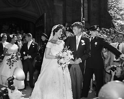8 x 10 REPRODUCTION PHOTO OF PRESIDENT JOHN F KENNEDY & JACQUELINE KENNEDY