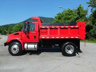 2005 International 4300 Box Dump Truck