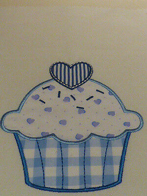 Heart Cupcake (Shades of Blue) ~ Embroidered Applique Quilt Block/Panel