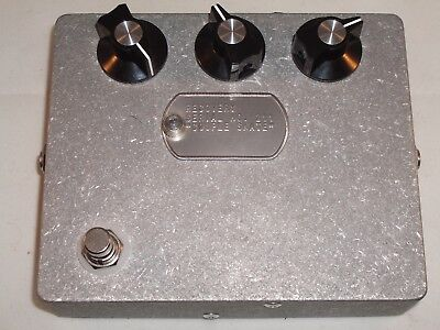 Recovery Effects Couple Skate Octave Fuzz Guitar Pedal