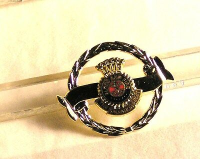 Salvation Army - PIN - CROWN CREST - ON SILVER WREATH