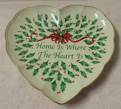"""Lenox Holiday Heart Dish """"Home is Where the Heart Is"""" 9"""" w/Box ~Christmas Holly"""
