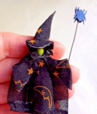 Dollhouse Miniature ~ Halloween ~ Green Face Witch With Wand