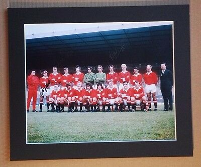 "1971 - 72  MANCHESTER UNITED SIGNED  COLOUR PHOTO 12"" x 10"" IN MOUNT x 7 SIGNED"