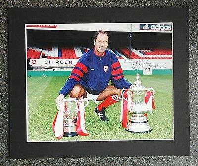 "GEORGE GRAHAM - ARSENAL MANAGER - SIGNED COLOUR PHOTOGRAPH 12"" x 10 MOUNT"