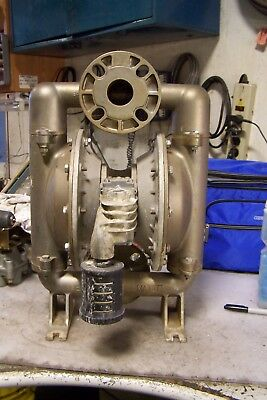 """Versa Matic 1-1/2"""" Flanged Stainless Steel Double Diaphragm Pump R316580400"""