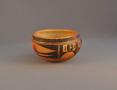 Old Traditional Hopi Pueblo Indian Pot Bowl -  Attractive Sikyatki Design