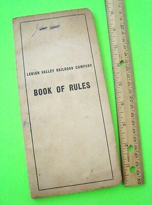 1953 LEHIGH VALLEY RAILROAD BOOK OF RULES scarce SOME ILLUSTRATIONS 104-pgs