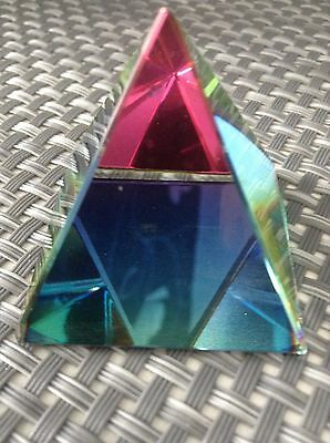 CUT GLASS PRISM PYRAMID STANDS 4cms