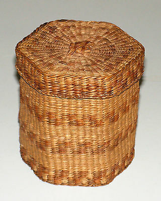 Vintage Very Finely Woven Sweet Grass Hexagon Basket w/Lid