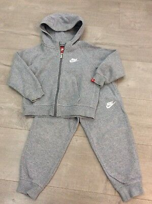 Grey Nike Tracksuit Size 4 - 5 years tracki Top Bottoms hoody joggers
