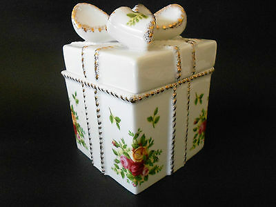 Royal Albert Old Country Roses Votive Gift Box Trinket Box Great Condition