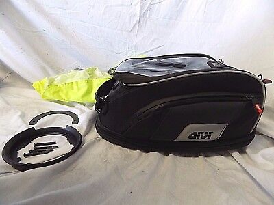 GIVI TANKLOCK XS307 15 LITRE TANK BAG USED w/ Mounting Ring