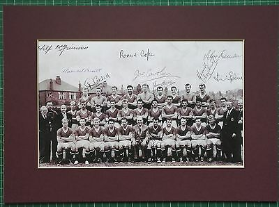 "MANCHESTER UNITED SIGNED MOUNTED SQUAD x 10 PLAYERS (size 14"" x 10"")   C1960-61"