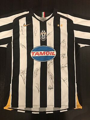 Juventus 2005 Shirt - Signed by players (inc. Buffon, Del Piero & Ibrahimovic)