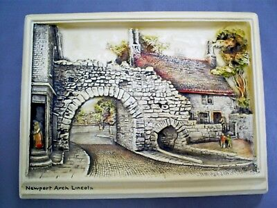 Vintage Bossons Ivorex Chalkware Wall Plaque Diorama/newport Arch Lincoln