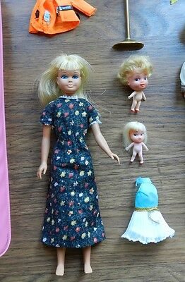 Vtg 1967 Skipper Twist N Turn Barbie Japan + Case + 2 Little Kiddles & Clothes