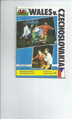 Wales v Czechoslovakia at Wrexham  Football Programme 1987