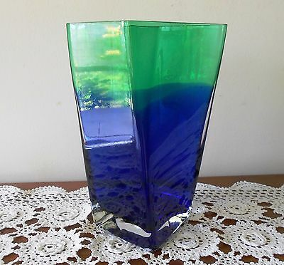 VINTAGE BLUE TO GREEN ART GLASS TWISTED SQUARE SHAPED TALL VASE 24cm
