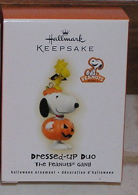 Hallmark 2009 Peanuts Halloween Ornament: Snoopy in Dressed-Up Duo