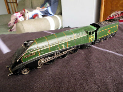Hornby Dublo A4 Pacific Kingfisher, BR 60024, good condition, runs, needs TLC...