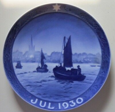 """ROYAL COPENHAGEN Christmasplate 1930 """"Fishing boat on their way to harbour """""""