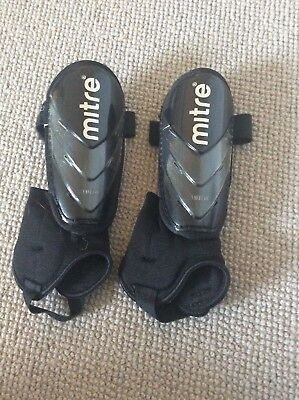 Mitre Shin Pads, child boy / girl, black,  small 120 to 140cm