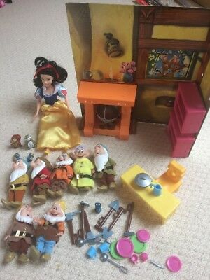 Disney Princess Snow White  Doll And The 7 Dwarfs Playset