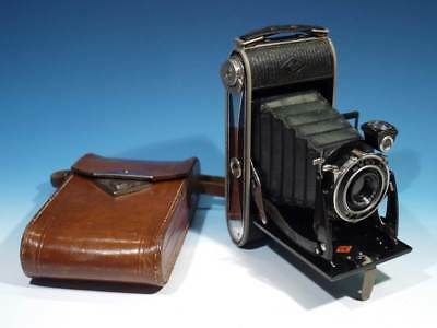 Vintage Agfa Billy Record / Anastigmat Art Deco Folding Camera in Leather Case.