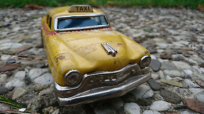 Cadillac Fleetwood 1954 Serie 75 Blechauto Tin Toy friction rare made in Japan