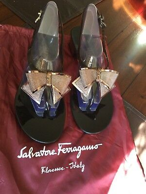 f1404195a132 SALVATORE FERRAGAMO JELLY Sandals Thong Bow size 9 -  199.00