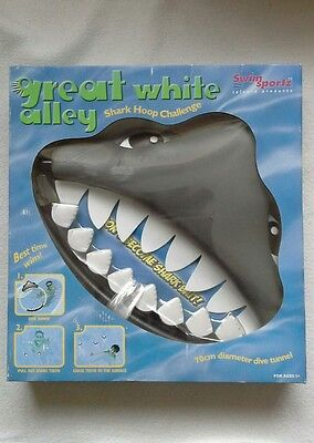 great white alley pool dive game