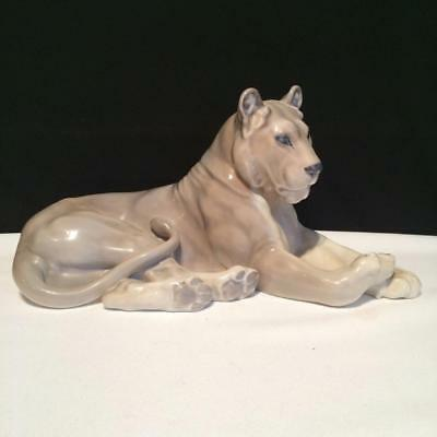 E3770 Royal Copenhagen Large Lion Lioness Figurine #804 Signed L. Jensen