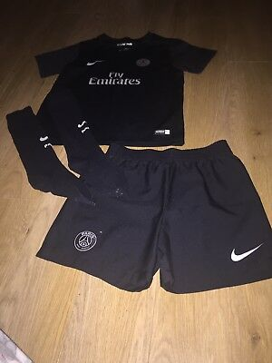 Paris Saint Germain Kit Age 5-6 black