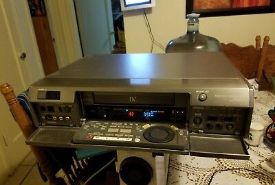 Panasonic AG-DV2000P MiNiDV DV DVCAM Player Recorder PRO DVR VCR Editing Deck