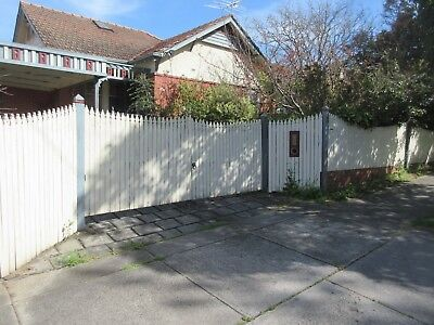 FENCE/ DRIVEWAY GATES - PERIOD STYLE, TIMBER PICKET , PAINTED CREAM & GREY  ,94b