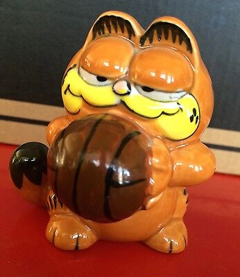 "Garfield Cat Basketball Ceramic Figurine 3"" 1978 Enesco"