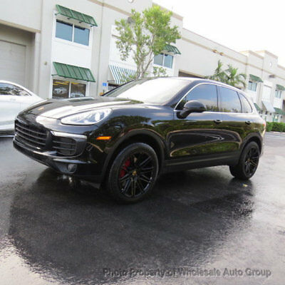 2016 Porsche Cayenne AWD 4dr ONE OWNER. LIKE NEW.  FULLY LOADED. CALL 954-744-1177