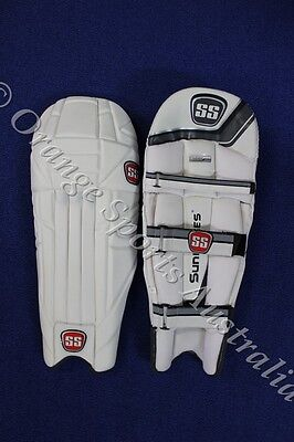 $160 SS GLADIATOR Batting Pad  RIGHT Handed Mens Light Weight 2014