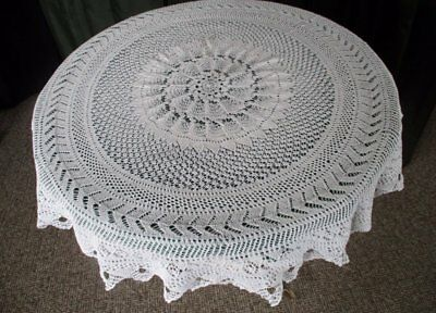 """ANTIQUE ROUND TABLECLOTH - HAND KNITTED - 38"""" dia"""