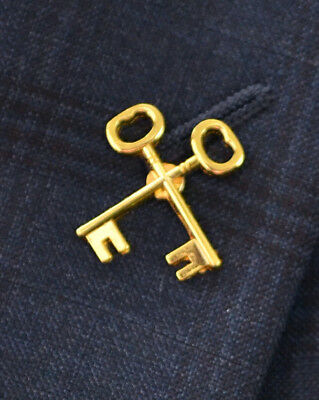 Crossed Keys, Hotel Concierge, Limited Collectable Gold Pin