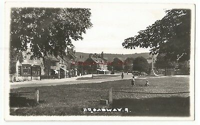 Worcs Broadway Real Photo Vintage Postcard 12.10