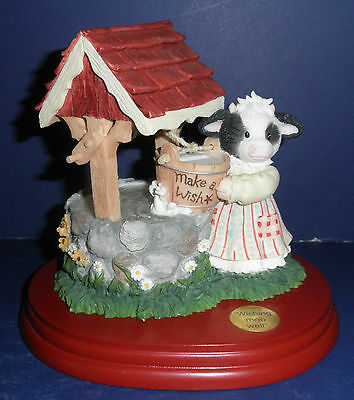 Enesco Mary's Moo Moos -675563- Wishing Moo Well Bank -New in Box